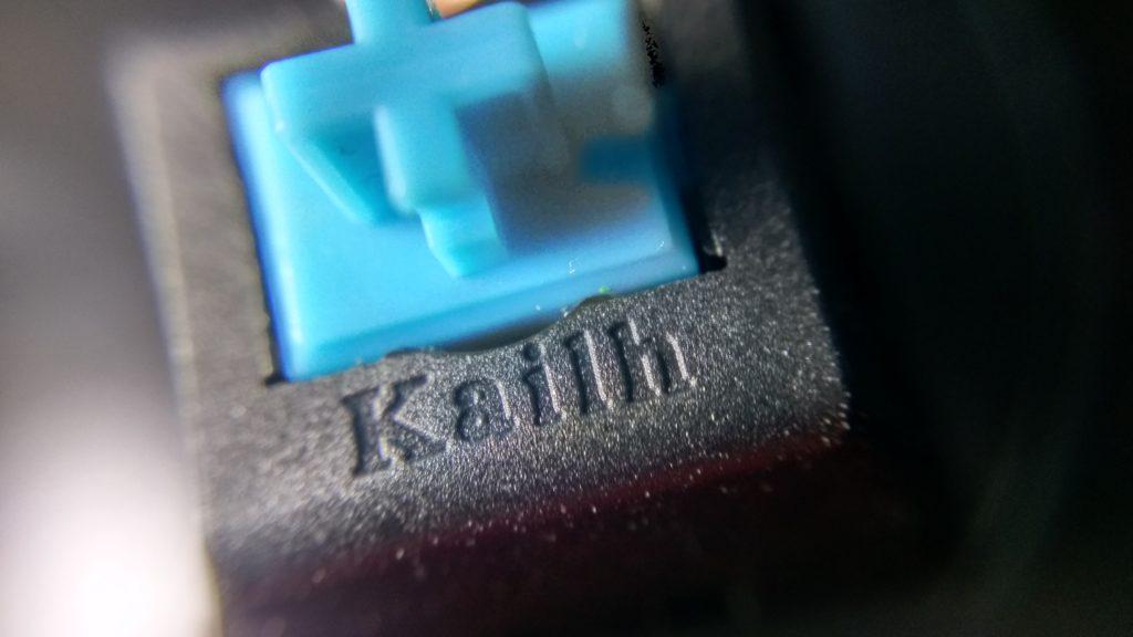Tuş anahtarı olarak ise Kailh mavi tuş anahtarları kullanılmış.